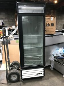 True Gdm 23 Glass Door Refrigerated Merchandiser 23 Cu ft