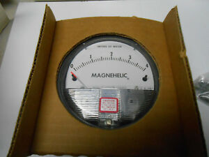 2004 Dwyer Model 2004 Magnehelic Pressure Gage 15 Psig Inches Of Water Nos