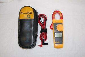 Fluke 323 True rms Clamp Meter With Case Pre owned