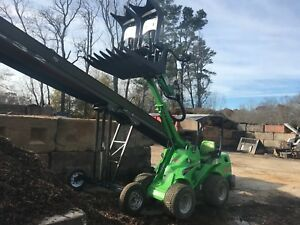 2018 Avant 528 Telescoping Boom Mini articulating Wheel Loader With 95 Hours