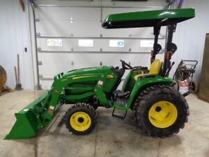 2016 John Deere 3038e Tractor 4wd Jd 300e Loader Hydro Only 29 Hours