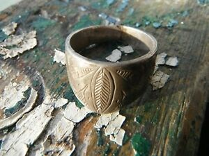 Ancient Archers Thumb Ring Silver Foliage Carving 16th 17th C A D