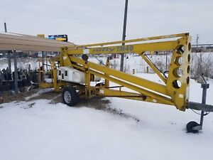 Nifty Tm40h 40 Ft Towable Boom Lift W hydraulic Outriggers 2004 Battery Powered