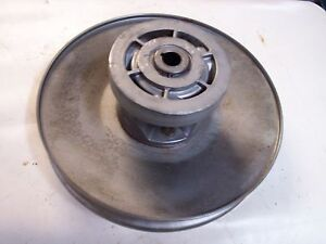 John Deere Gator Amt 600 622 626 Secondary Clutch Aw26934 Used