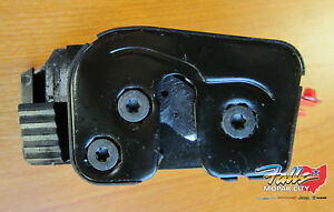 1998 2002 Dodge Ram Quad Cab Left Driver Side Rear Door Lower Latch Mopar Oem