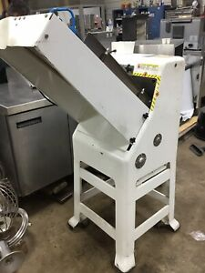 Oliver 797 32nc Commercial Gravity Feed Bakery Bakers 1 2 Bread Slicer Machine
