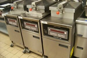 Henny Penny Pressure Deep Fryer Computron 8000 Gas used For 1 Year
