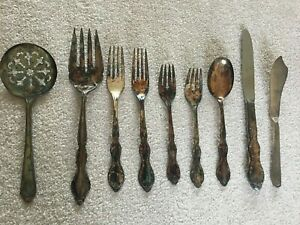 Rogers Silverplate Silver Pieces Set Of 9 Pieces Tomato Server Fork Spoon Knife