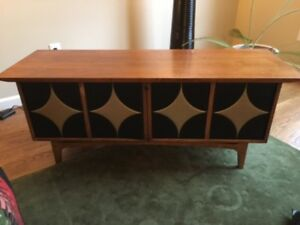 Lane Mid Century Cedar Chest Must See This One