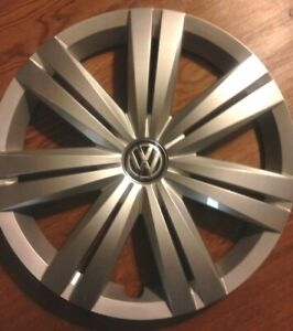 2017 Jetta Hubcap Vw Great Condition 16