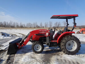 2016 Massey Ferguson 2706e Tractor 4wd Mf135e Loader Shuttle Shift 102 Hours