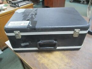 Holaday Industries Microwave Survey Meter Hi 3002 cracked Carry Case Used