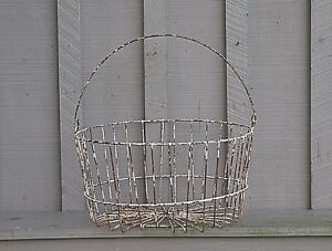 Old Vintage Antique Primitive Wire Hen Egg Basket Planter Country Farm Kitchen