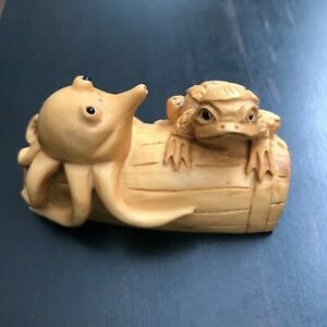 Japanese Carved Wood Netsuke Octopus Frog Box Wood Signed Clean Nice