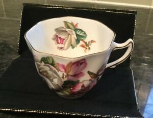 Vintage Rosina Floral Teacup Teacup Only Gold Trim Ex Condition