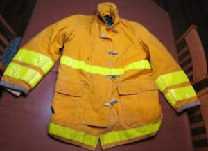 Globe Firefighter Fireman Turnout Gear Jacket Size 42 34 35 c r1