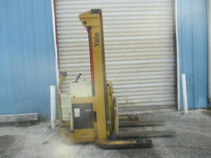 Yale Me020lan24ct090 2000lb Walk Behind Walkie Stacker Lift Reach Forklift