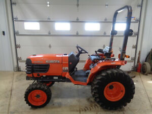 2011 Kubota B7800 Tractor 4wd Hydro 30hp R4 Tires 382 Hours