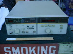 Hewlett Packard 8672a Synthesized Signal Generator