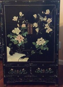 Chinese Furniture Hand Engraved And Painted Wooden Lacquered Cabinet