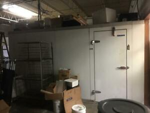 Louisville Walk in Cooler 18 6 X 10 X 7 W floor 3 Fan Evaporator And Condenso