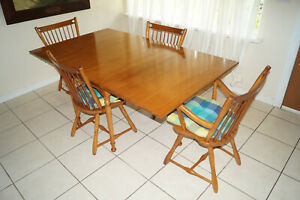 Dinning Table Expandable Drop Leaf Harvest Table W 2 Extra Leafs