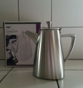 Vollrath Triennium 20oz Coffee Tea Pot 46301 Stainless Commercial Stylish Cafe