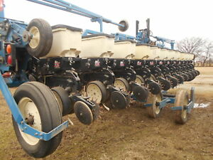 Kinze 3600 Corn Planter 12 23 Sn 613909 Electric Clutches Monitor
