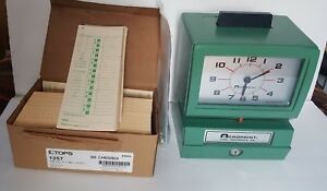 Pre owned Acroprint Bp125 Battery Operated Time Clock With Time Cards