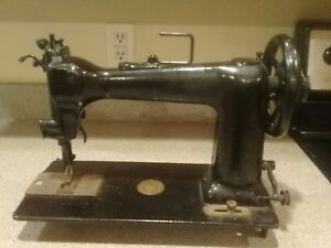 Vintage Wheeler Wilson D9 Sewing Machine No 2898560