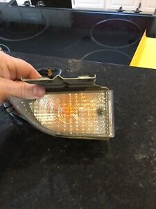 Nos 1970 Ford Thunderbird Rh Front Parking Lamp