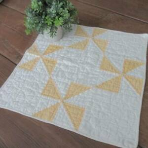 Cheery Summer Yellow C1920s Pinwheel Baby Doll Or Table Quilt 16