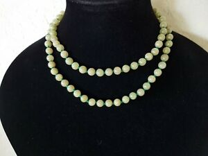 Vintage Hand Knotted Green Chinese Jade Jadeite Bead Necklace 32