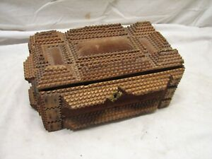 Early 1800s Tramp Art Americana Wooden Cigar Dresser Trinket Box Chip Carved