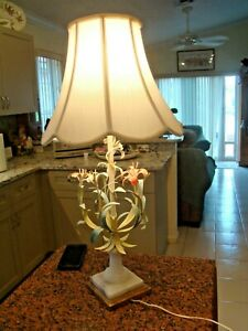 Vintage Shabby Chic Metal Floral Bouquet Tole Ware Table Lamp