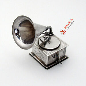 Dutch Gramophone Model 833 Standard Silver 1920
