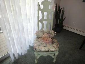 Shabby Chic Vintage Chair W Matching Pillow Pick Up Only Worcester Ma