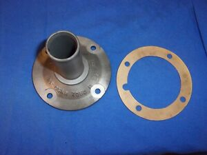 Good Used Ford Top Loader 3 Speed Bearing Retainer With Seal Rf C5ar 7050 B