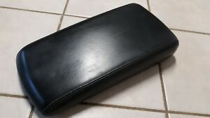 09 Dodge Charger Center Console Lid