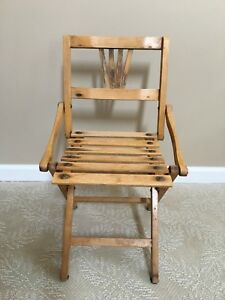 Vintage Wood Child S Folding Slatted Deck Chair 1930s 1950s Height 22 Inches