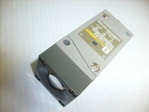 Omron Photo Electric Switch E3n 10le2 12 To 24 Vdc