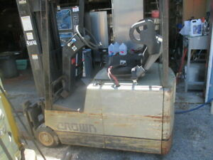 Crown 35sctt s 36v Electric Ride On Forklift 3 Wheel 3500lbs 172 Ht Side Shift
