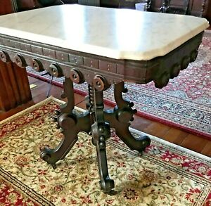 1880s Antique Victorian Mahogany Lamp Or Parlor Table Marble Top
