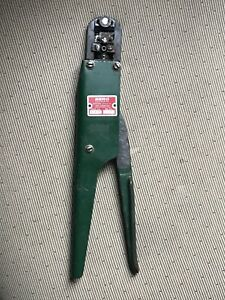 Berg Electronics Ht 73 18 20 Dupont Co Connector Systems Crimping Tool