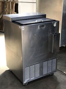 Perlick Under Counter Bar Cooler 115 V Stainless Steel Bc24 S s Interior
