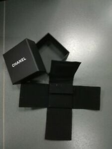 Chanel Clip Earrings Small Box With Velvet Storage Dust Bag Pouch