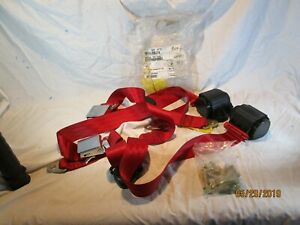 Triumph Tr250 Tr6 1968 1976 Vintage Look 3 Point Retractable Seat Belts Red