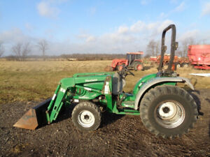 2005 Montana 3440hst Tractor 4wd Loader Hydro R4 Tires Showing 296 Hours