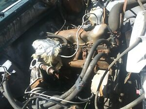 Carburated Ford 4 9 300 6 Cylinder Longblock Engine No Core Will Ship
