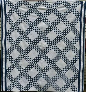 Blue And White Antique Ocean Waves Quilt Bordered Well Quilted 18578